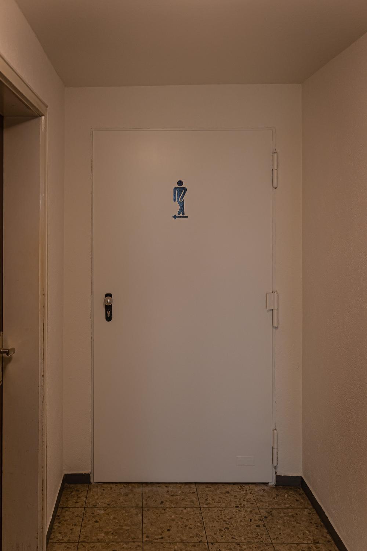 Türe gestrichen und Figur neu gestaltet