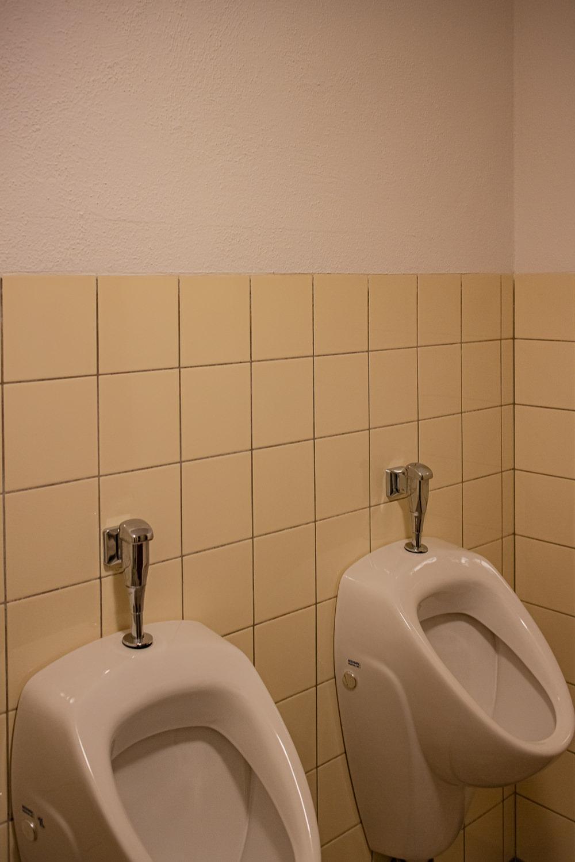 Komplettreinigung Urinal